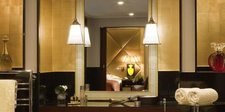 India_2210_Sun_HotelFouquetsBarriereChampsElysee.jpg