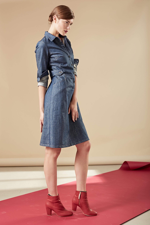 Tailliertes Jeanskleid