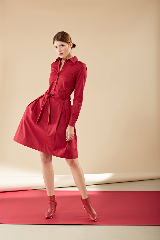 Rotes Blusenkleid