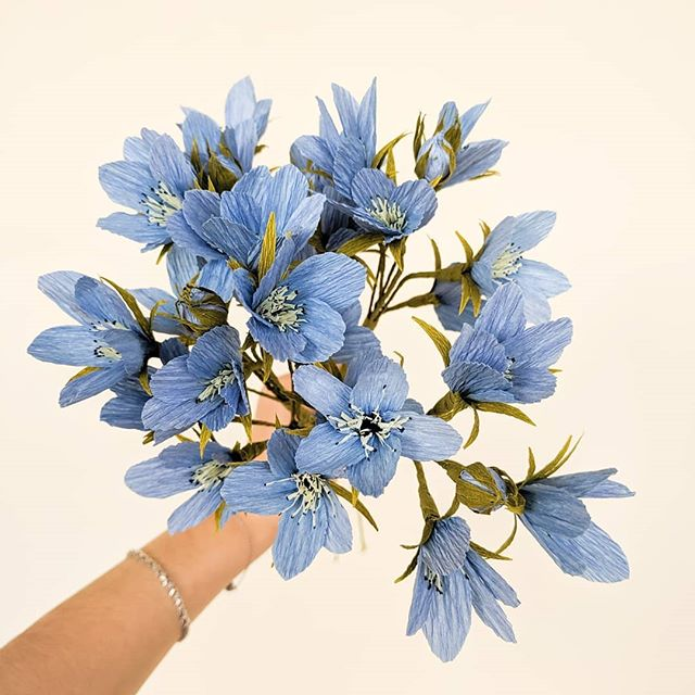 Tiny blue flowers are my new favorite obsession. If you like making dainty pretty things, check out a flower crown workshop I have coming up at @spiritedarthsv. Link is in profile description!!! #seasonalflowers  #handcrafted #crepepaper #crepepaperflowers #paperflowers #dailydoseofpaper #paperartist #paperflorals #paperdesign #dsfloral #underthefloralspell #allthingsbotanical #botanicalart #fineartflowers #seedscolor #livecreatively #pursuepretty #papernotpicked #inspiredbynature #craftsposure #weddingflowers #handcraftedbotanicals #paperpetalshsv