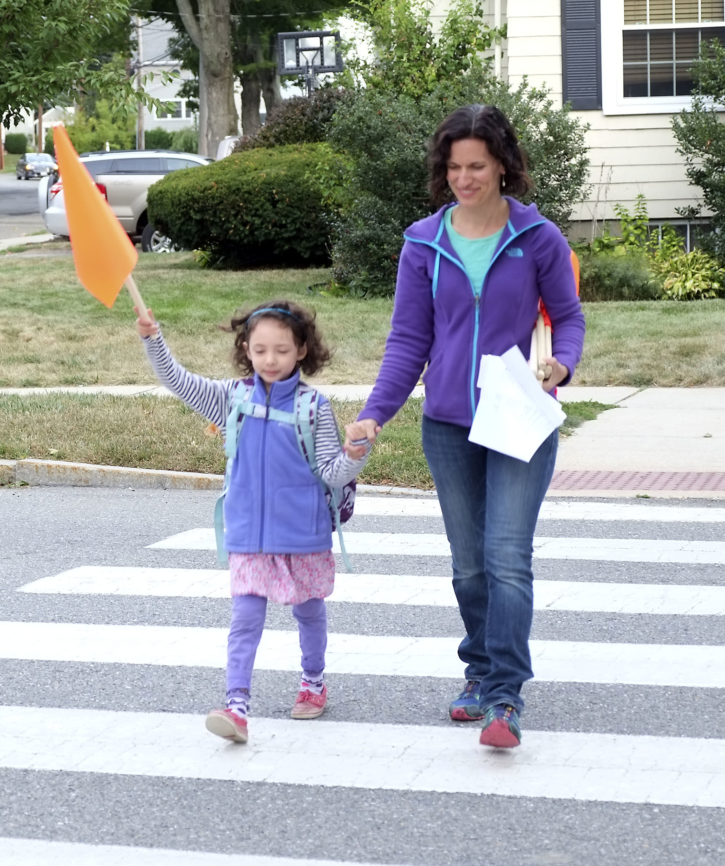 Be Well Belmont is a sponsor of the Crosswalk Flags project  To increase the safety of pedestrians in Belmont, especially near our schools, Belmont is starting a crosswalk flag pilot program at four locations along popular school walking routes. The crosswalk flag program is a low-cost, low-tech tool designed to help increase pedestrian visibility and driver awareness in Belmont.