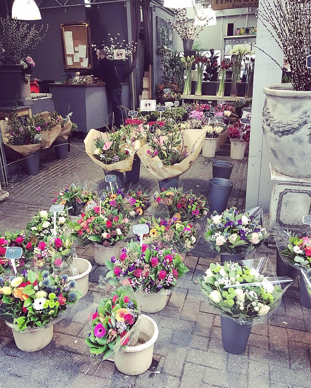 Bloemenmarkt: The Flower Floating Market