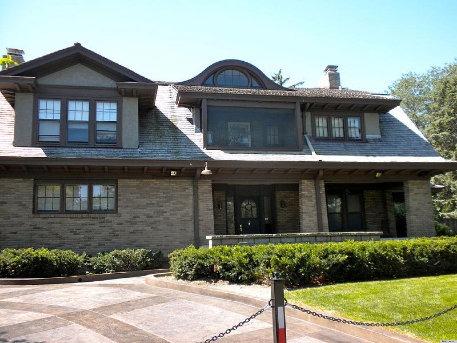Buffett's house.