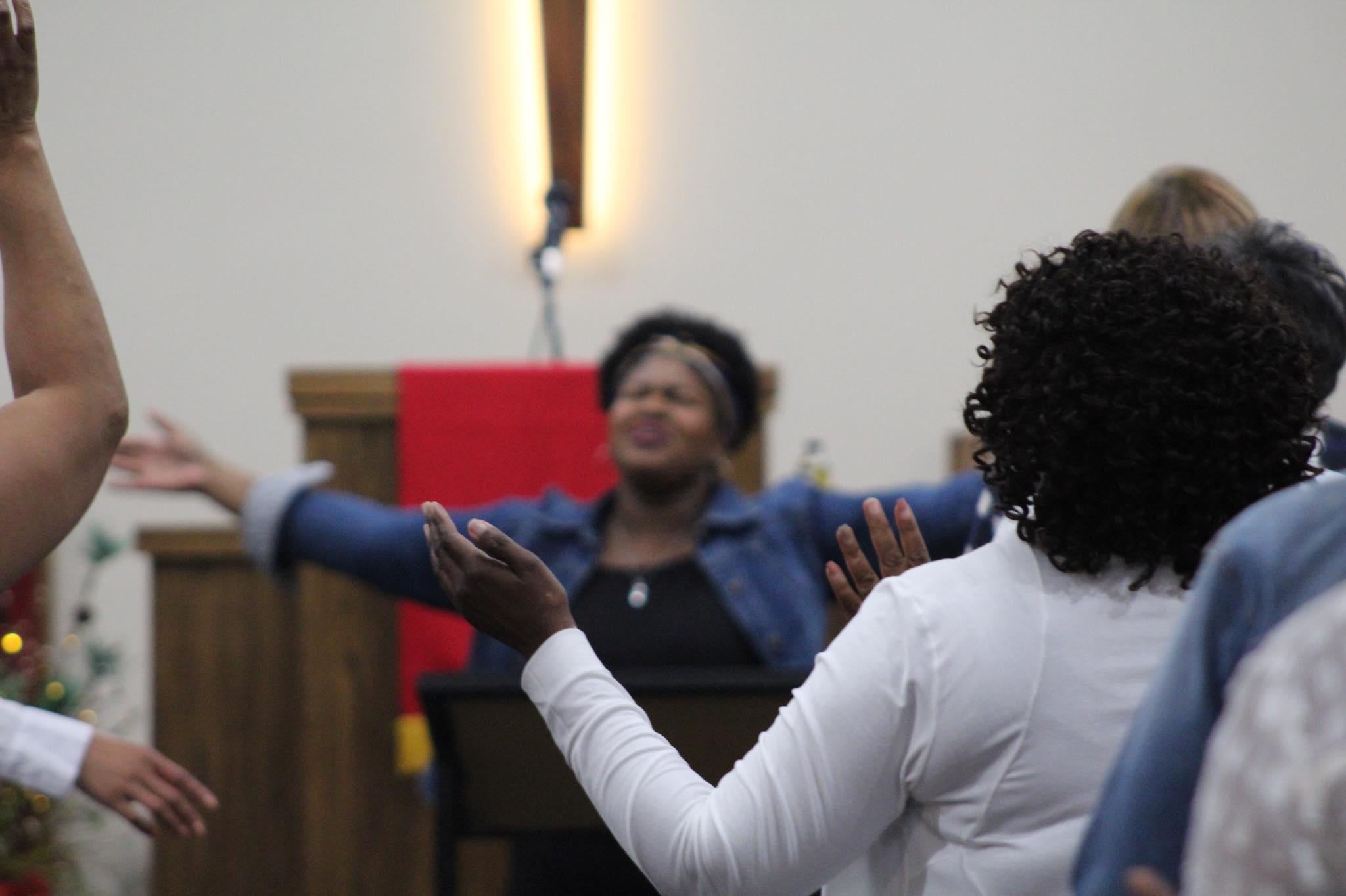 Worship Leader and Recording Artist Desovia Robinson