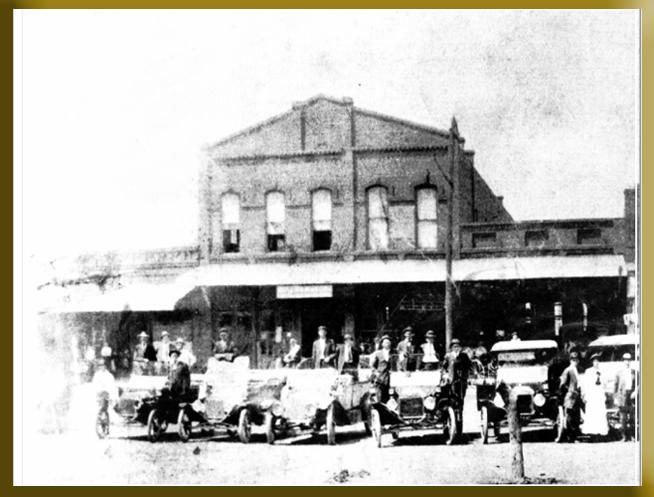 110 S. WASHINGTON STREET - PILOT POINT, TEXAS CIRCA 1920'S