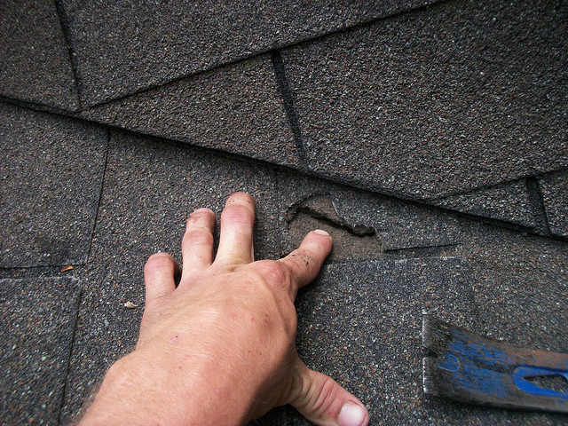 roof-maintenance-tips.bermudxroofingspringtexas