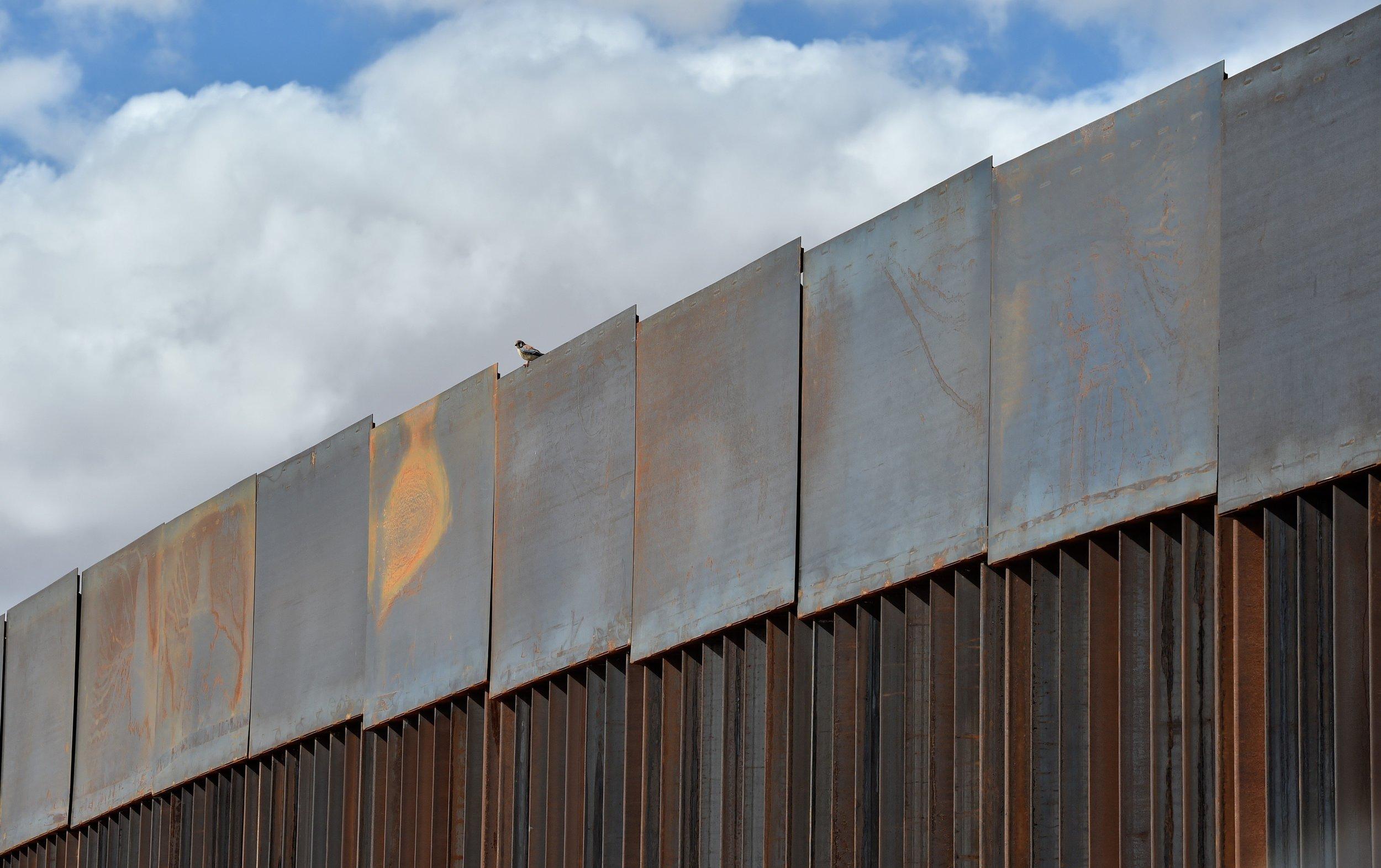 mexico_border_wall.jpg