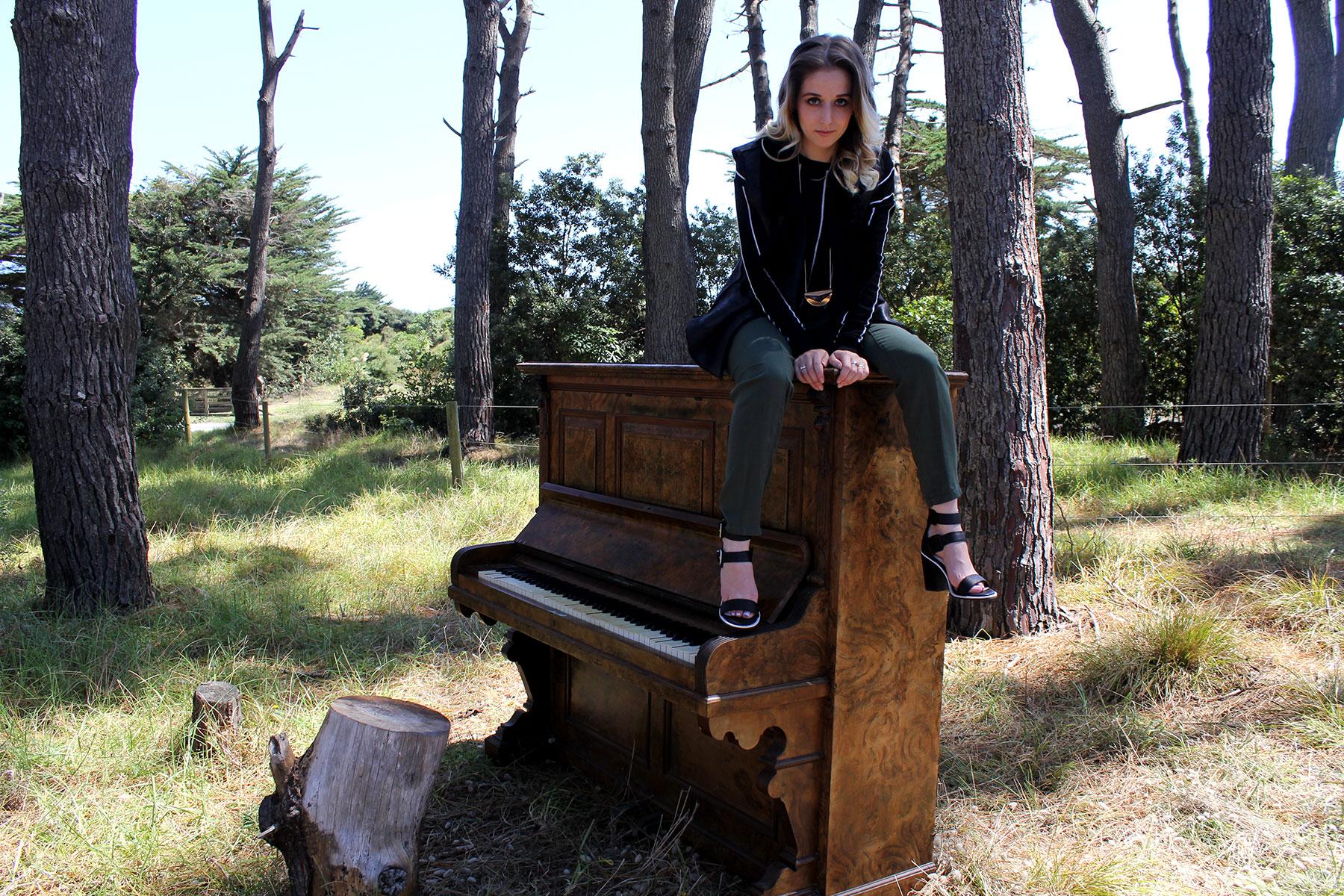muriwai-piano9.jpg