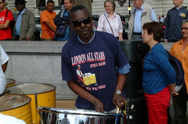 Frank playing on Trafalgar Square