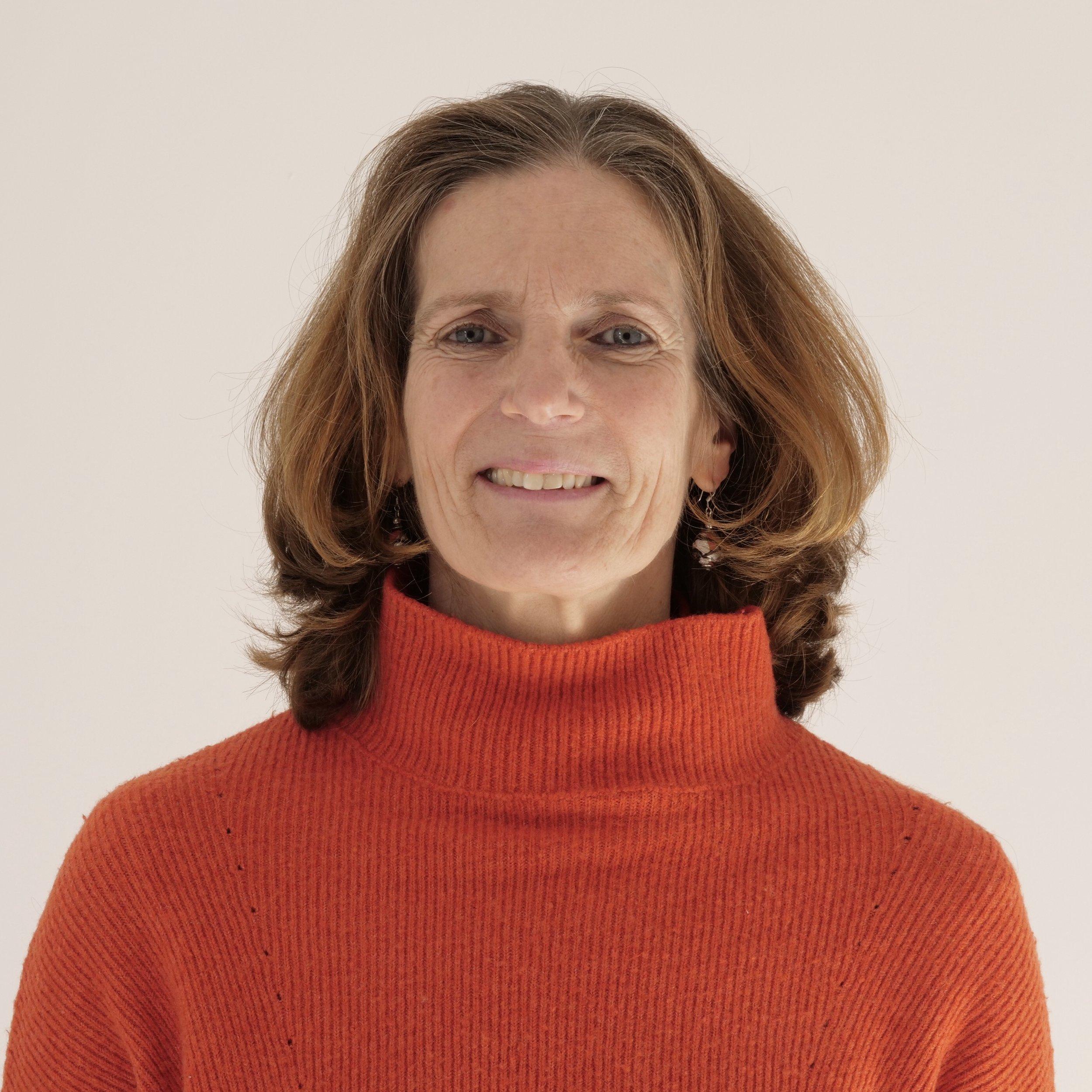 Professeur de Yoga Ventabren Christine JOBERT.jpg
