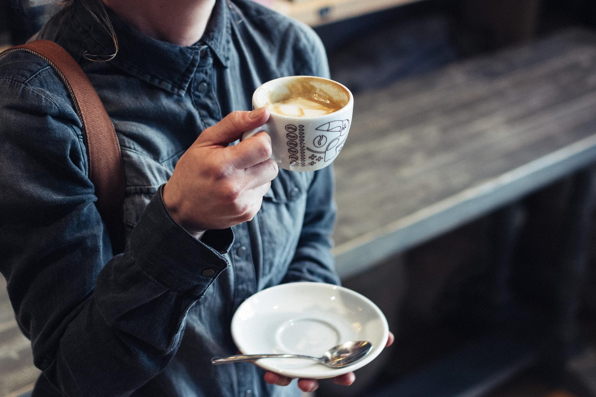 Onni on kahvila - Onnion Storen kahvilasta voi ostaa tuoretta Lehmus Roasteryn kahvia ja herkutella Kinuskillan tuotteilla.Tule nauttimaan kauniista esineistä ja ainutlaatuisesta tunnelmasta!