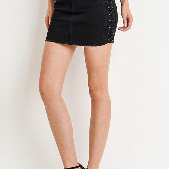 Adorable New Skirts!  www3blondesboutique.com  #boutiqueshopping #shoppingaddict #shoppingonline #instafashion #boutiquefashion