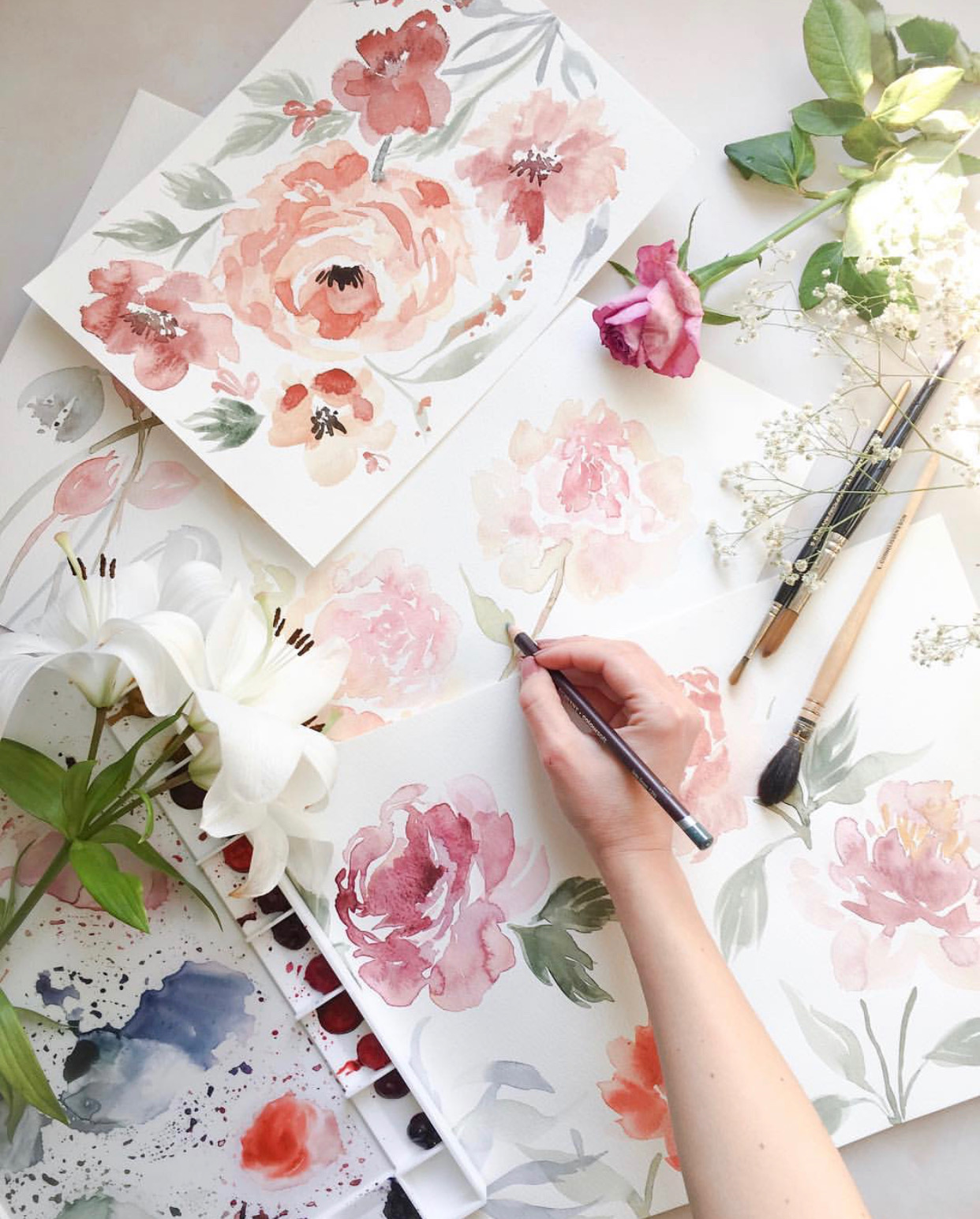 Delicate floral watercolours from calligraphy artist @mathildalundin