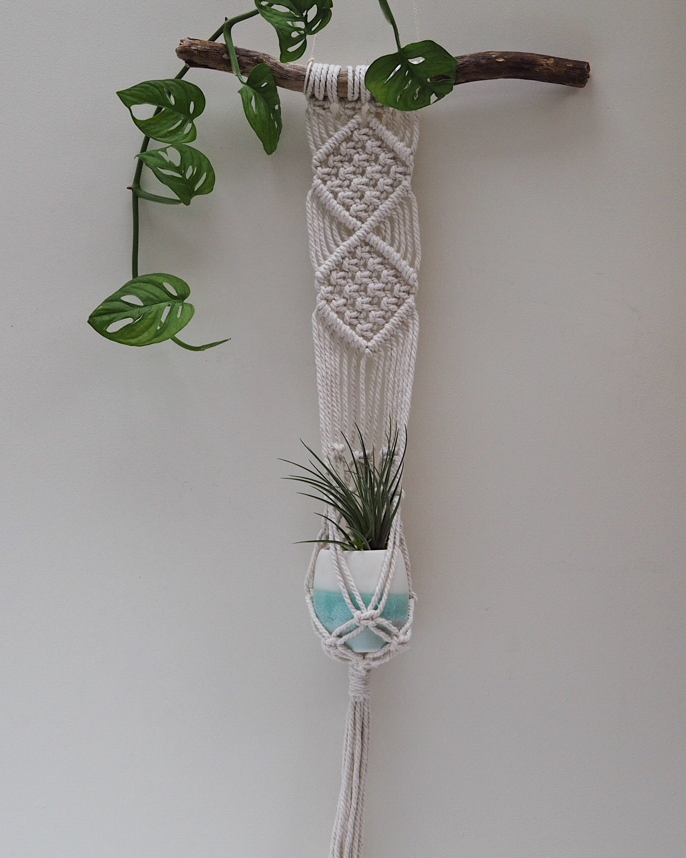 #createinsummer collaborative prize - macrame planter with turquoise ombre plant pot from @_twome and @ceramicmagpie