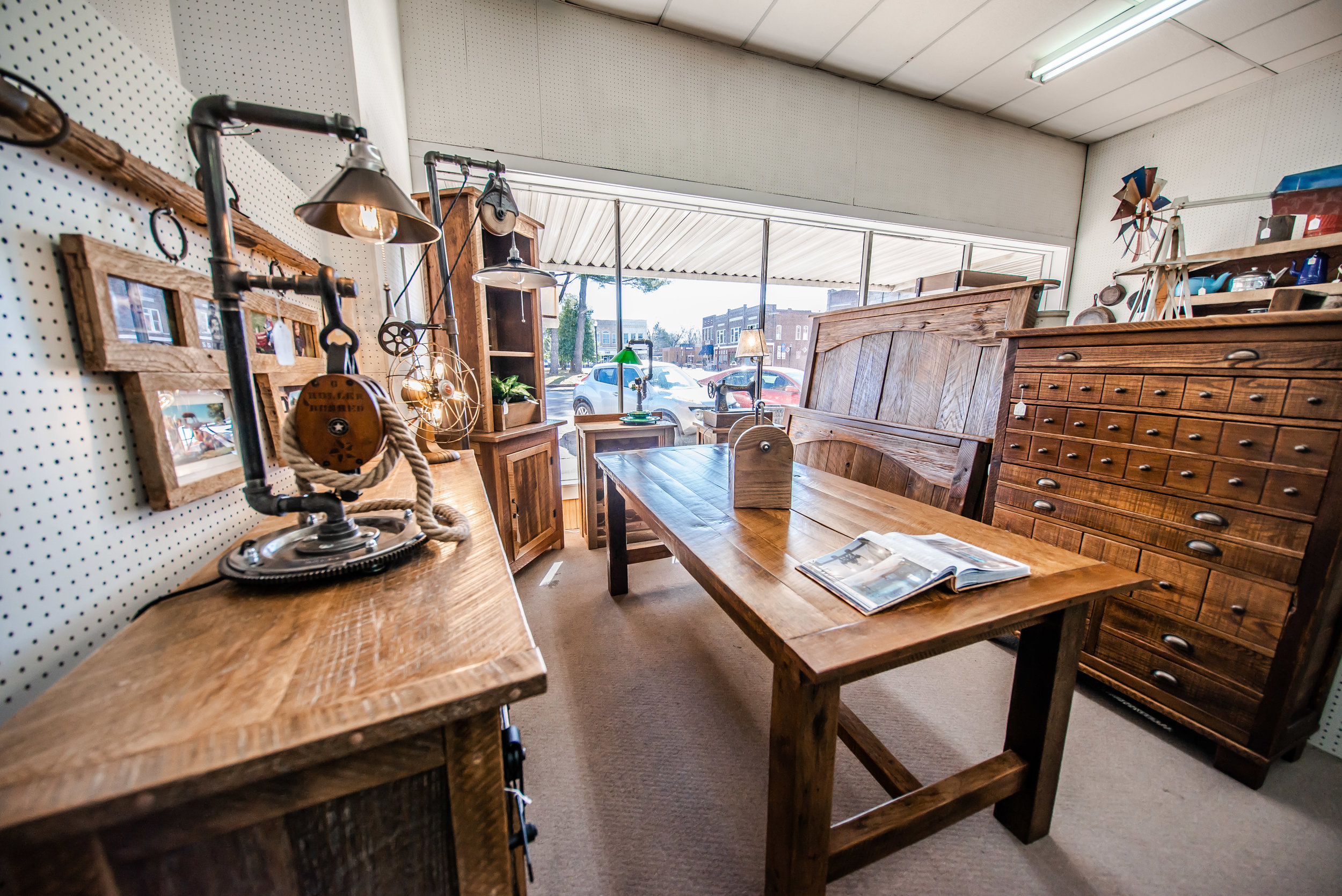 Antique Furniture in Benton Illinois at County Seat Antique Mall