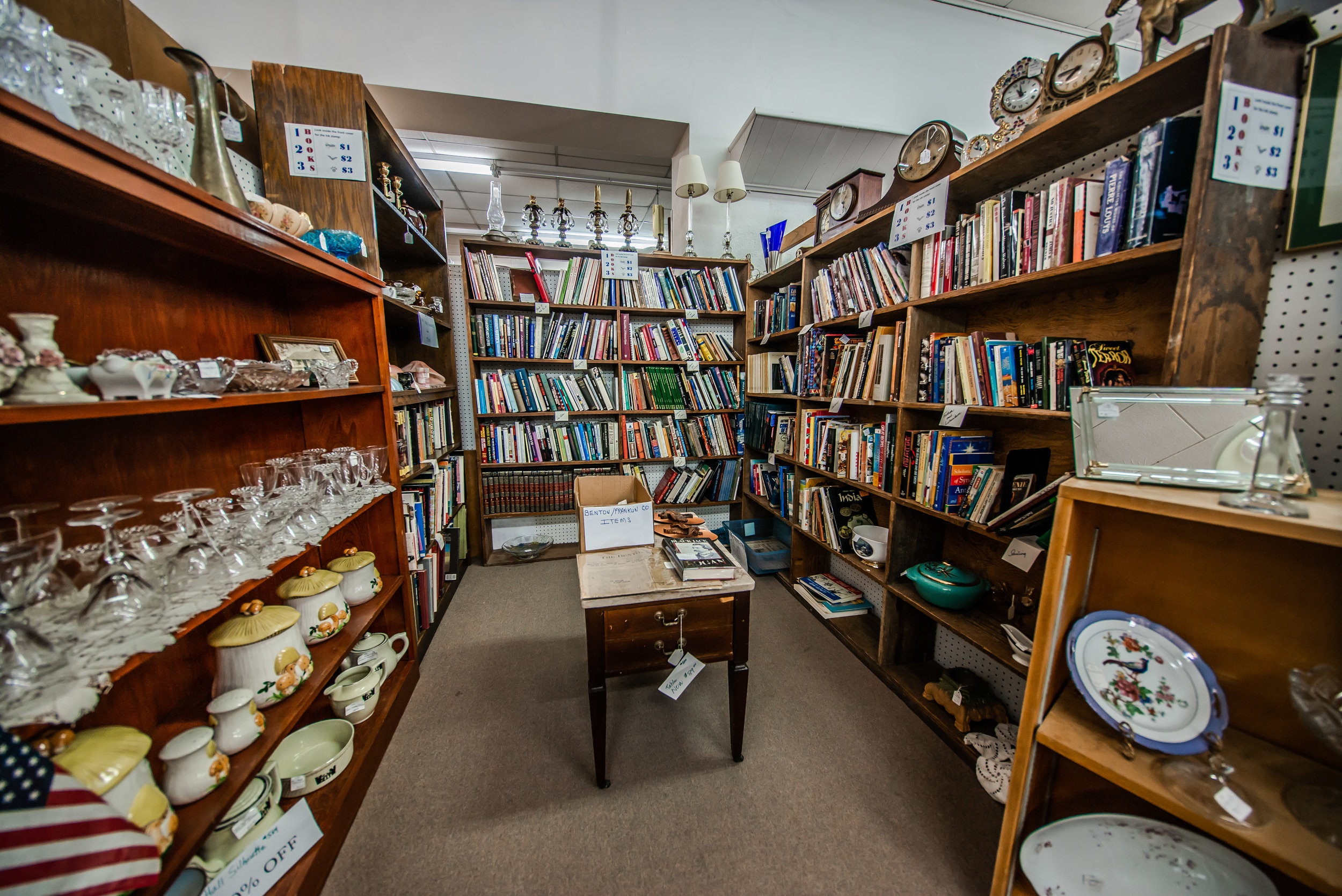 BOOKS, MAGAZINES, COMICS AT COUNTY SEAT ANTIQUE MALL ON THE SQUARE IN BENTON ILLINOIS