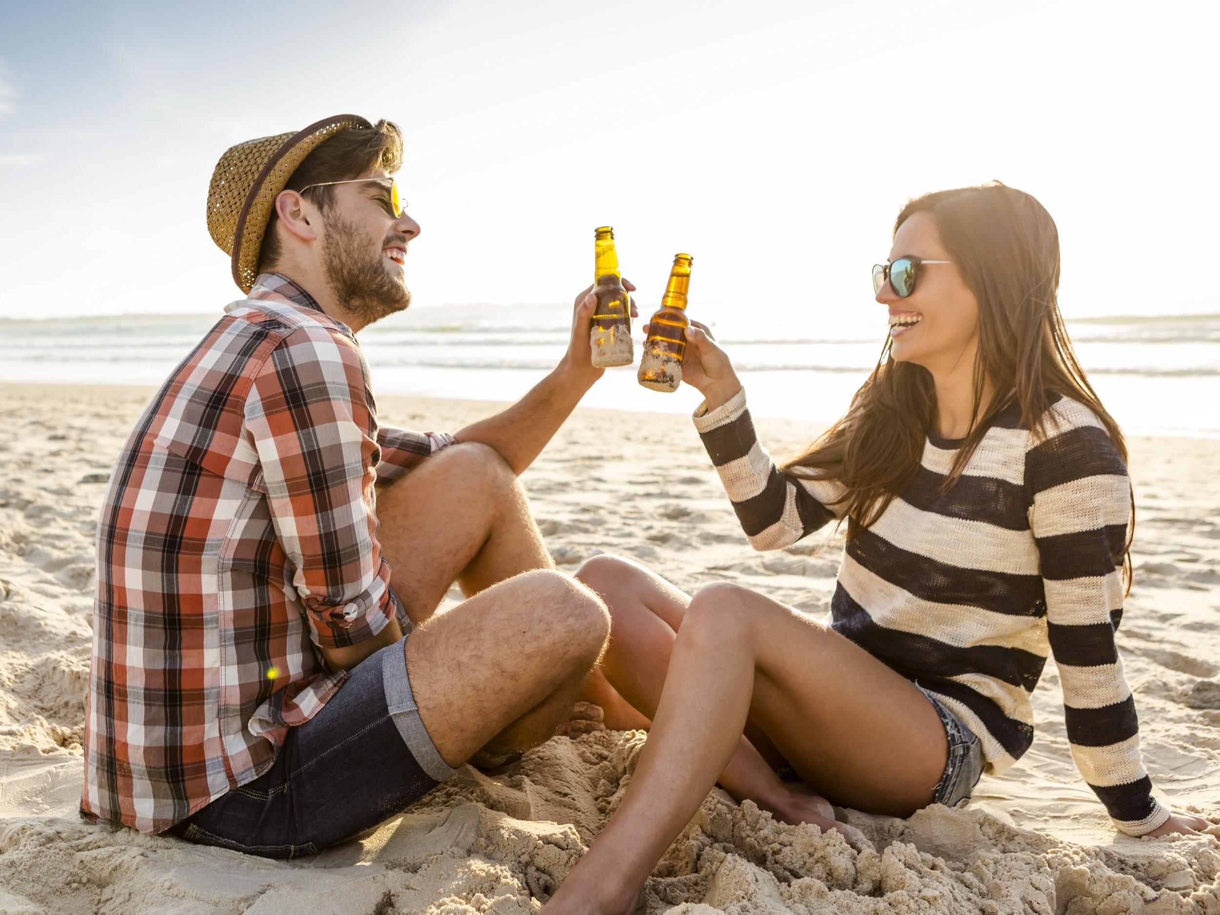 couple-on-the-beach-PMHYDQK.jpg