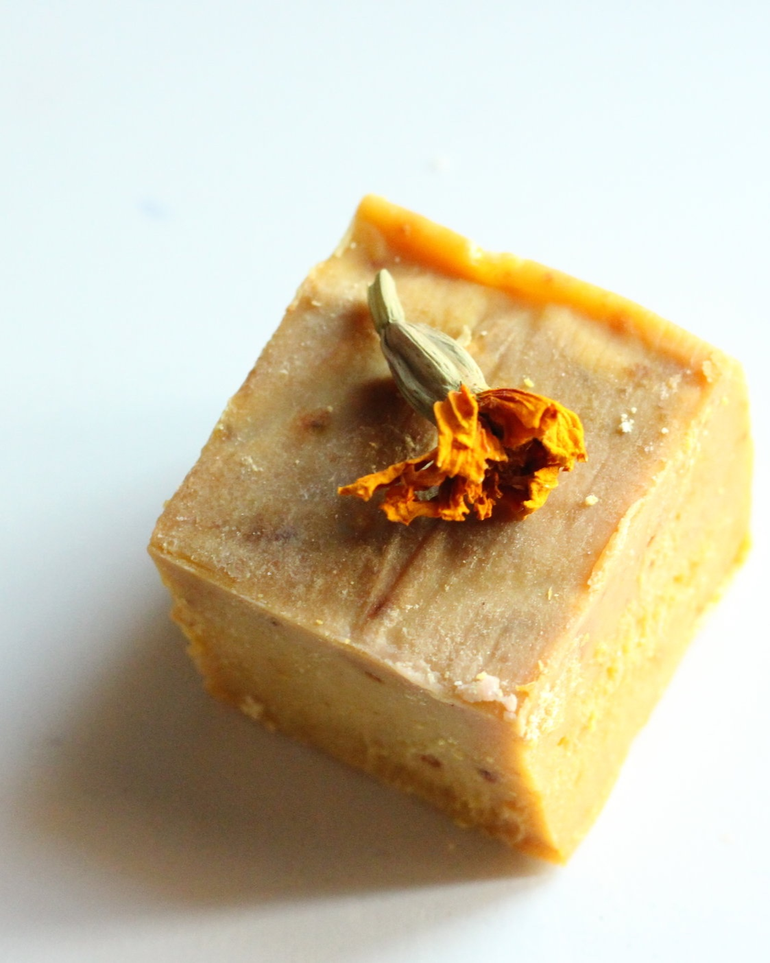 MARIGOLD GLOW - Dried calendula petals, orange essential oil, sea-buckthorn oil soap, with shea butter and almond oil
