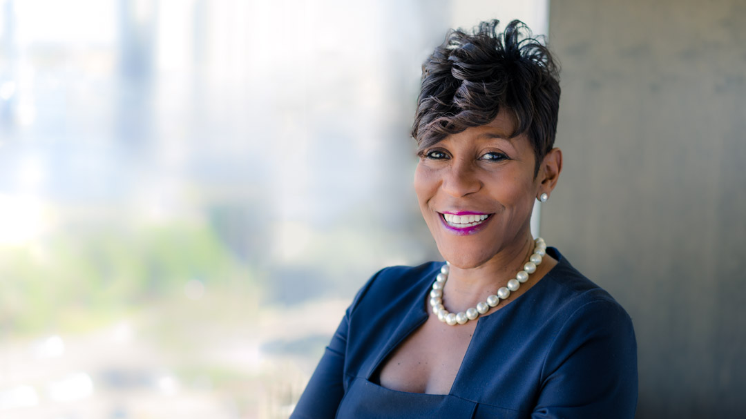authentic-professional-corporate-headshot-of-black-female-executive-in-jacksonville-florida-.jpg