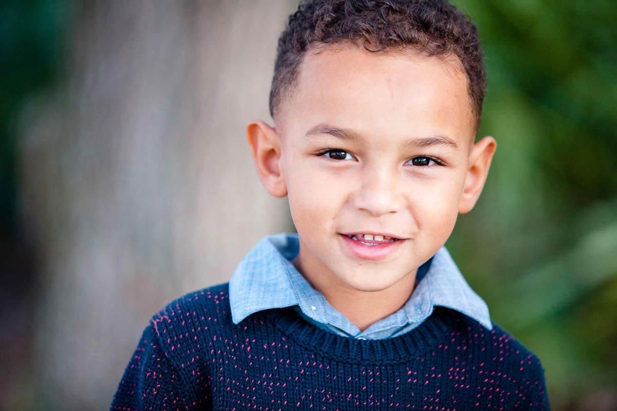 professional-headshot-outdoors-of-young-boy-child-model-in-jacksonville-florida.jpg