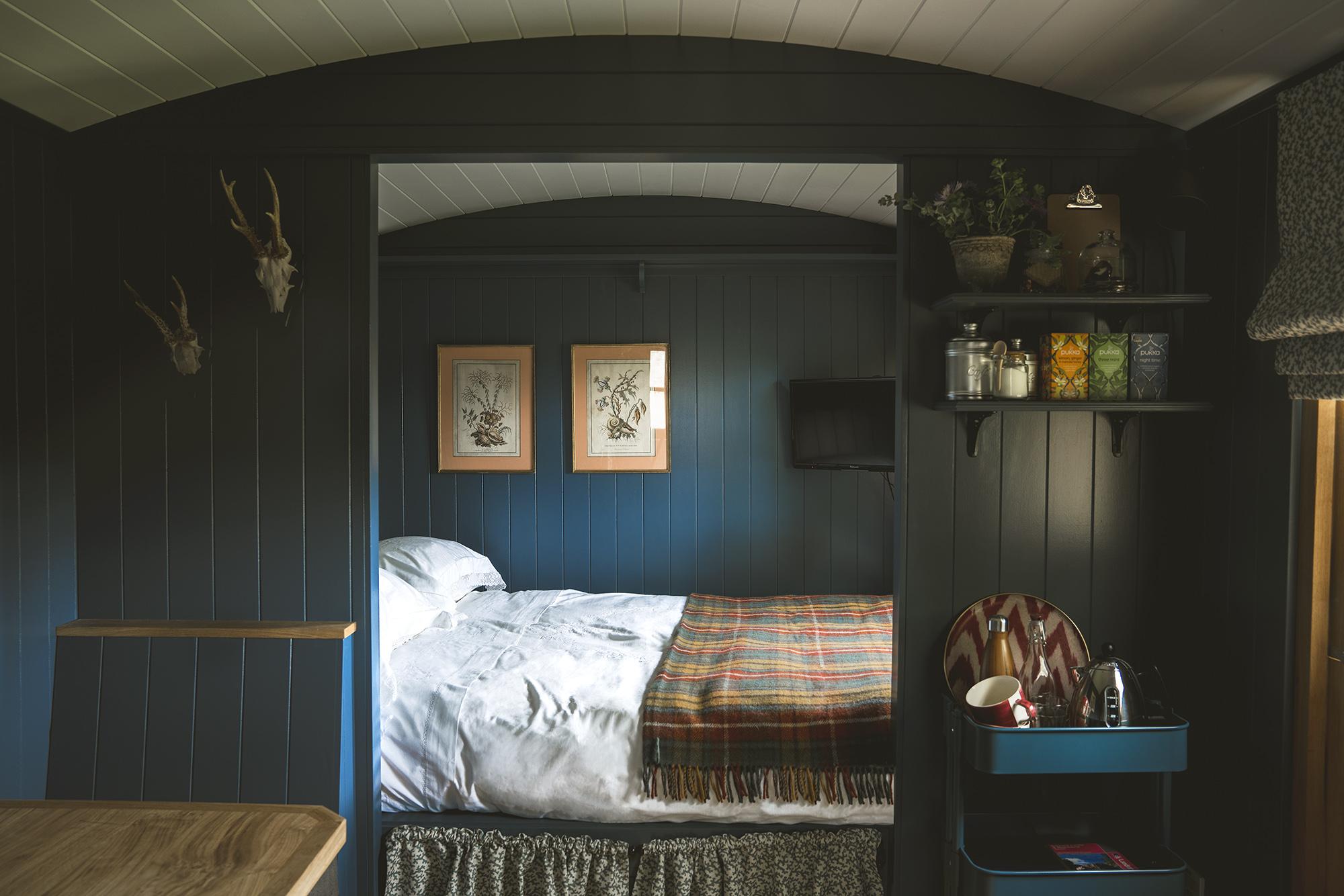 Garden hut - bedroom LR.jpg