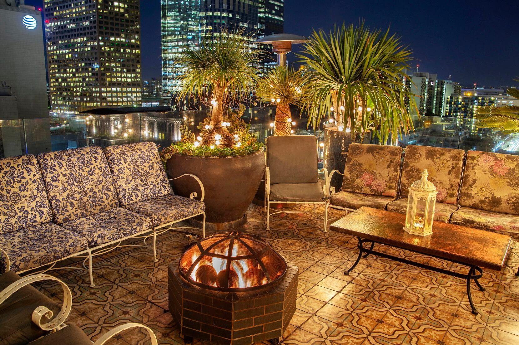 16th FLoor Rooftop Evening View (002).jpg