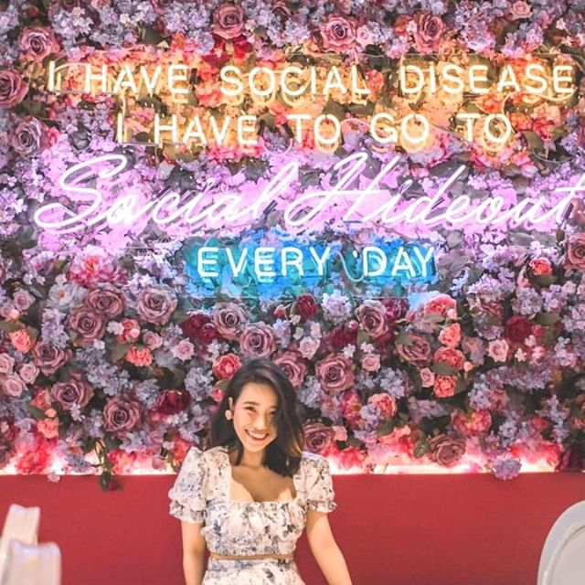 Thank you for the visit @doitforicecream 💕 Stop by one of Sydney's prettiest brunch spots 😍 at our Waterloo location and get yourself a photo for the 'gram 😜Don't forget to tag us in any photos you post from your visit - we love seeing them! . . #socialhideout #prettycafe #prettycafes #beautifulcafes #beautifulcafe #cutecafe #cutecafes #cafehop #cafehopping #classybaristas #coffeegram #deliciouscoffee #cafephotography #coffeephotography #onthetable #coffeeshopcorners #coffeeprops #coffeesesh #coffeetime