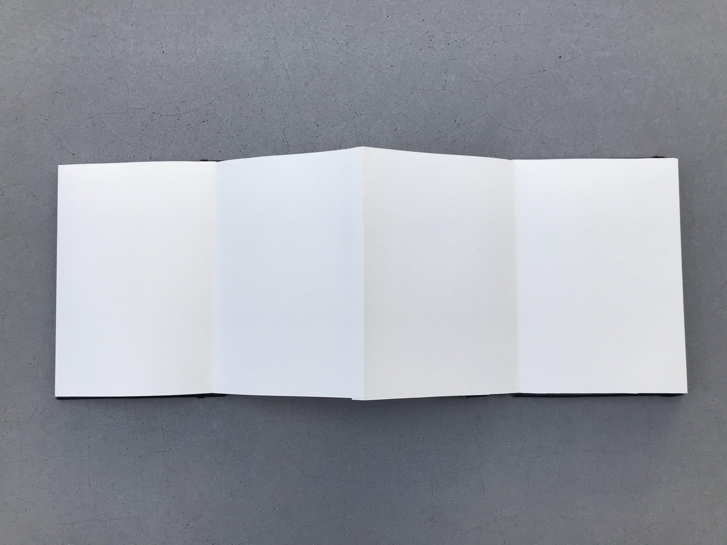 LUNABOOK 4.JPG