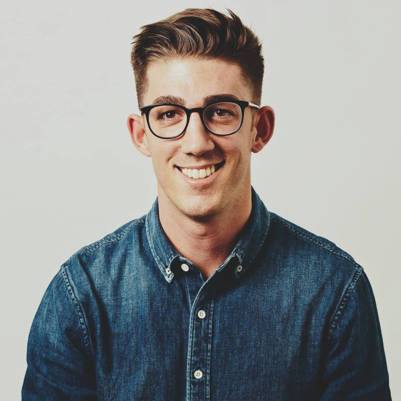 Jordan Furlong  USC 2017  Jordan is a product manager at Jumpstart in San Francisco and I'm particularly passionate about scalable products within education, music, health, and professional development.