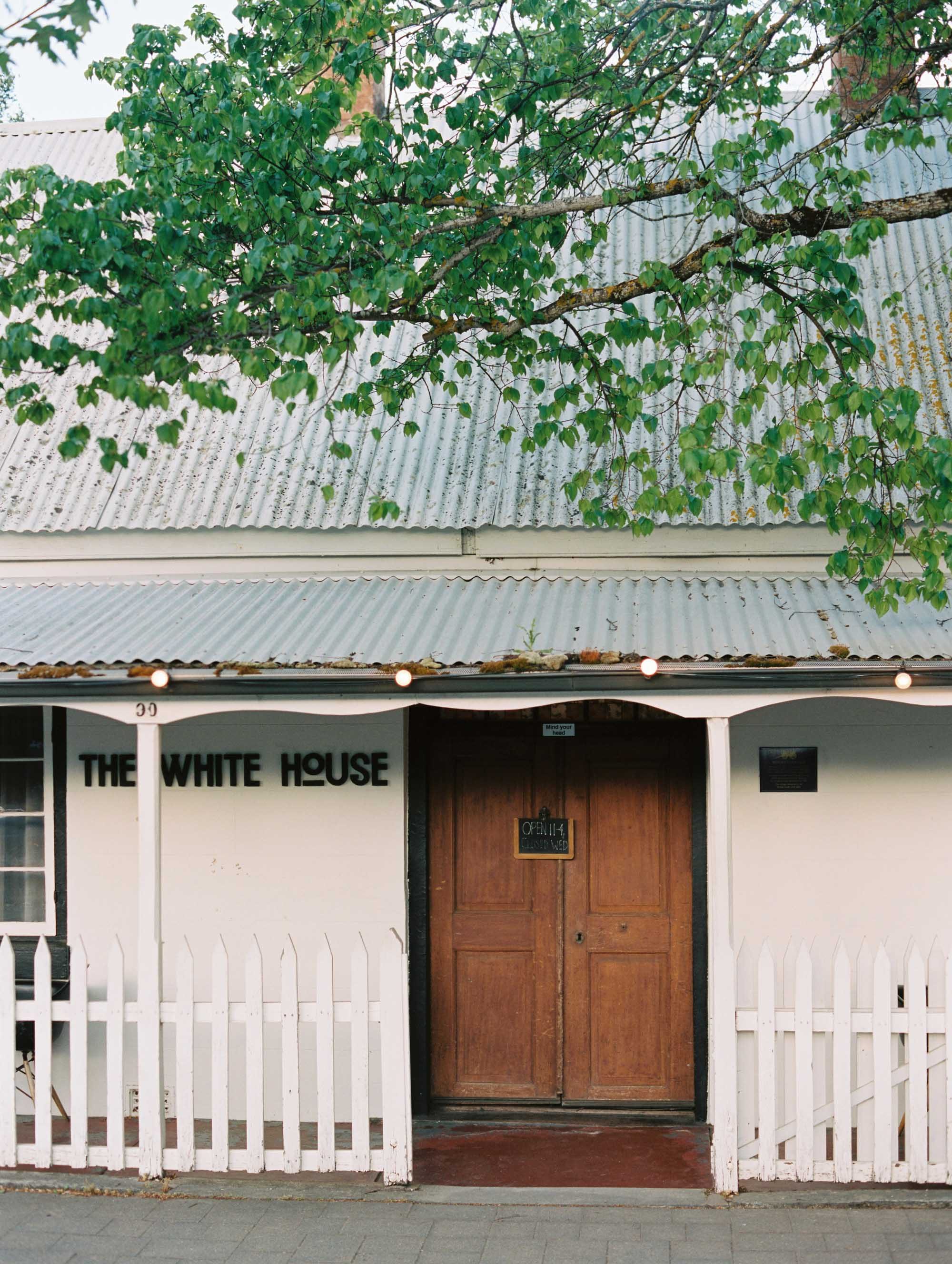 Whitehouse-hahndorf-wedding-photography-096.jpg