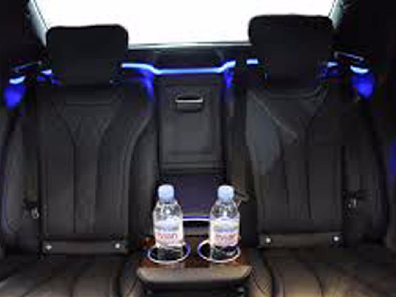 Auto-Elite-Mercedes-V-Class-inside.jpg