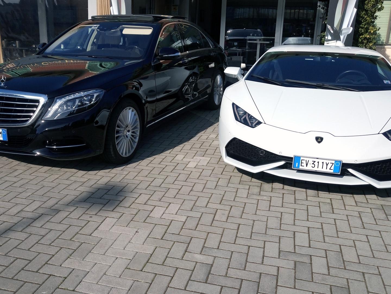Auto-Elite-Mercedes-with-Lamborghini.jpg