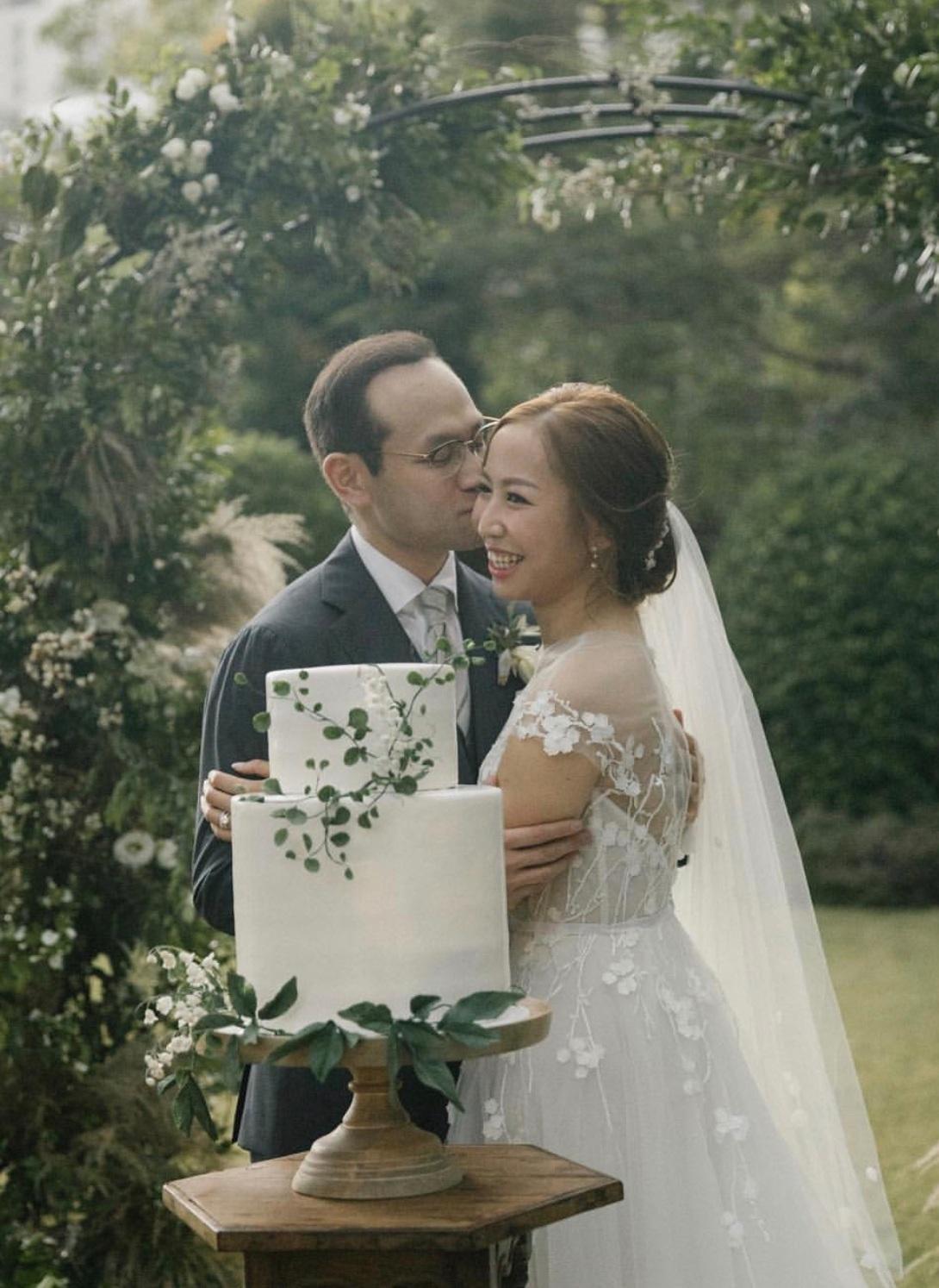 Tuscan-Inspired WeddingThe Repulse Bay Hotel - Grace & Gavin