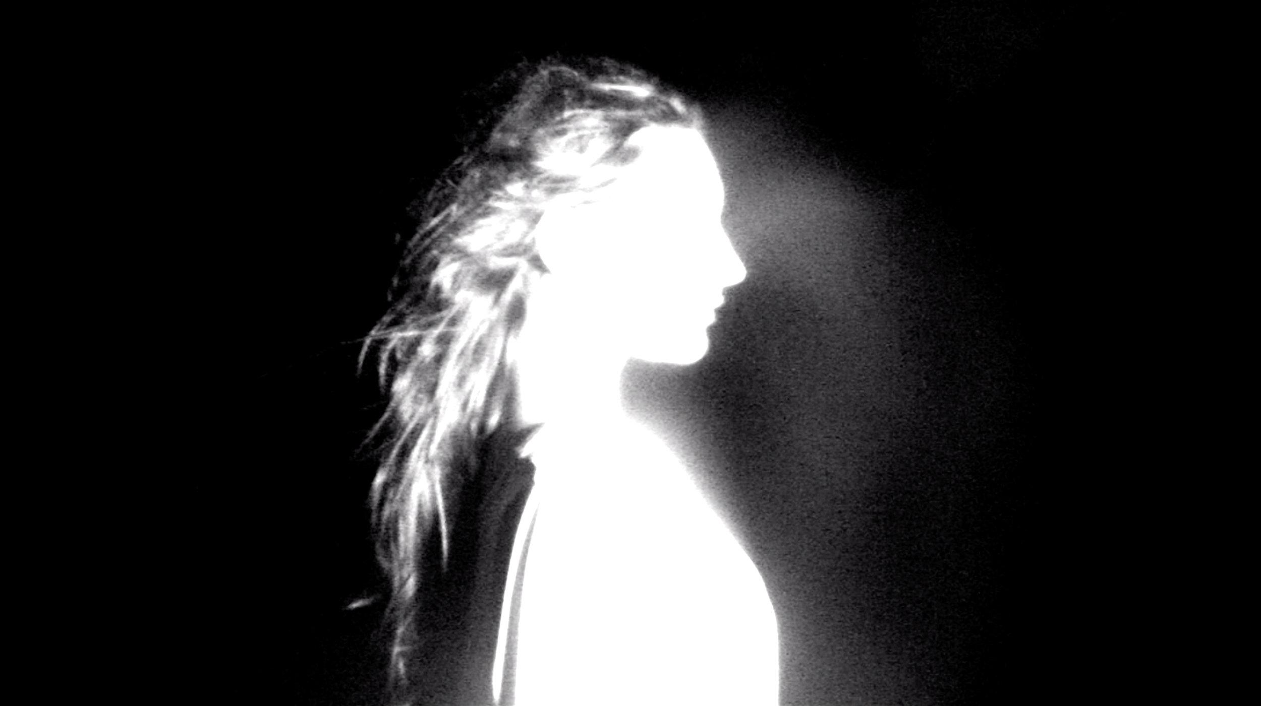 Girl silhouette white 01.jpg