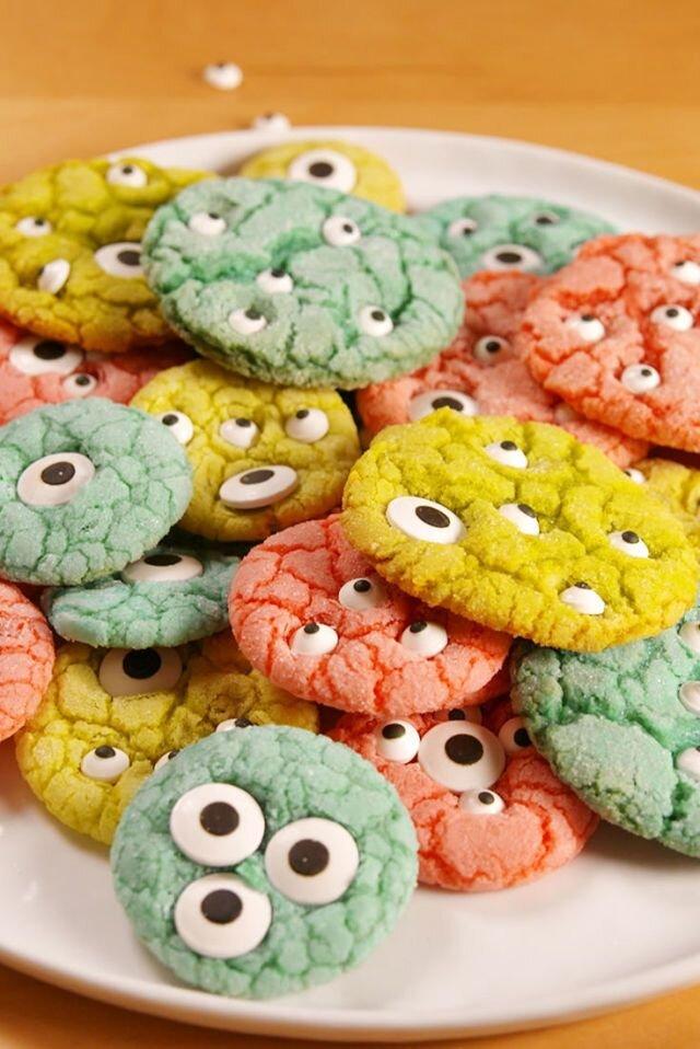 gallery-1501712221-delish-kids-monster-cookies-pin-03.jpg
