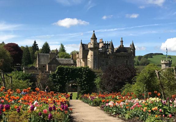 Scotland-Abbotsfoed-House.jpg