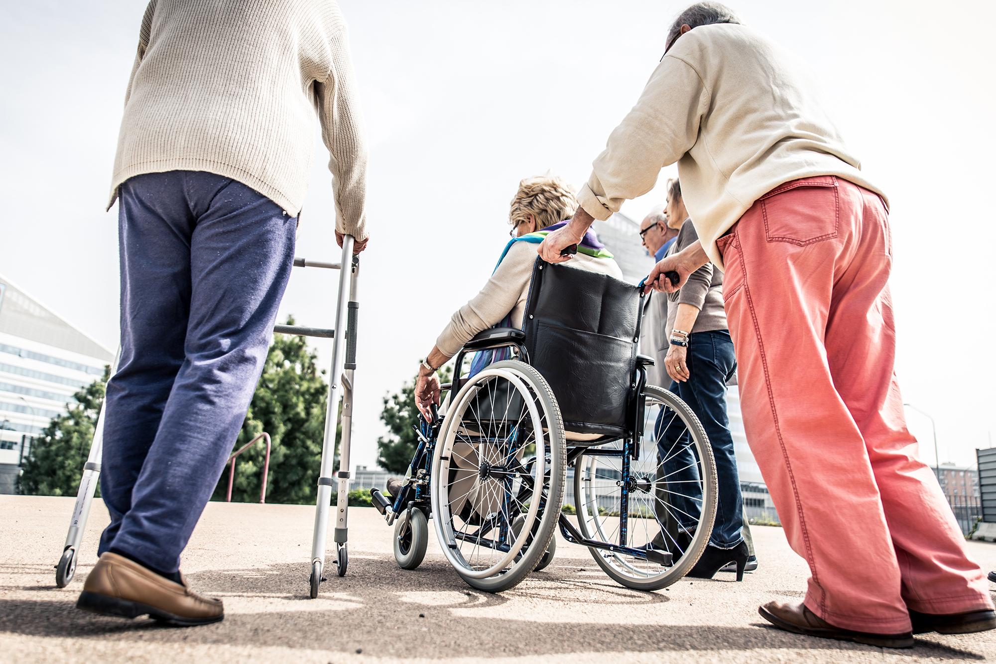 bejaarden op stap.jpg