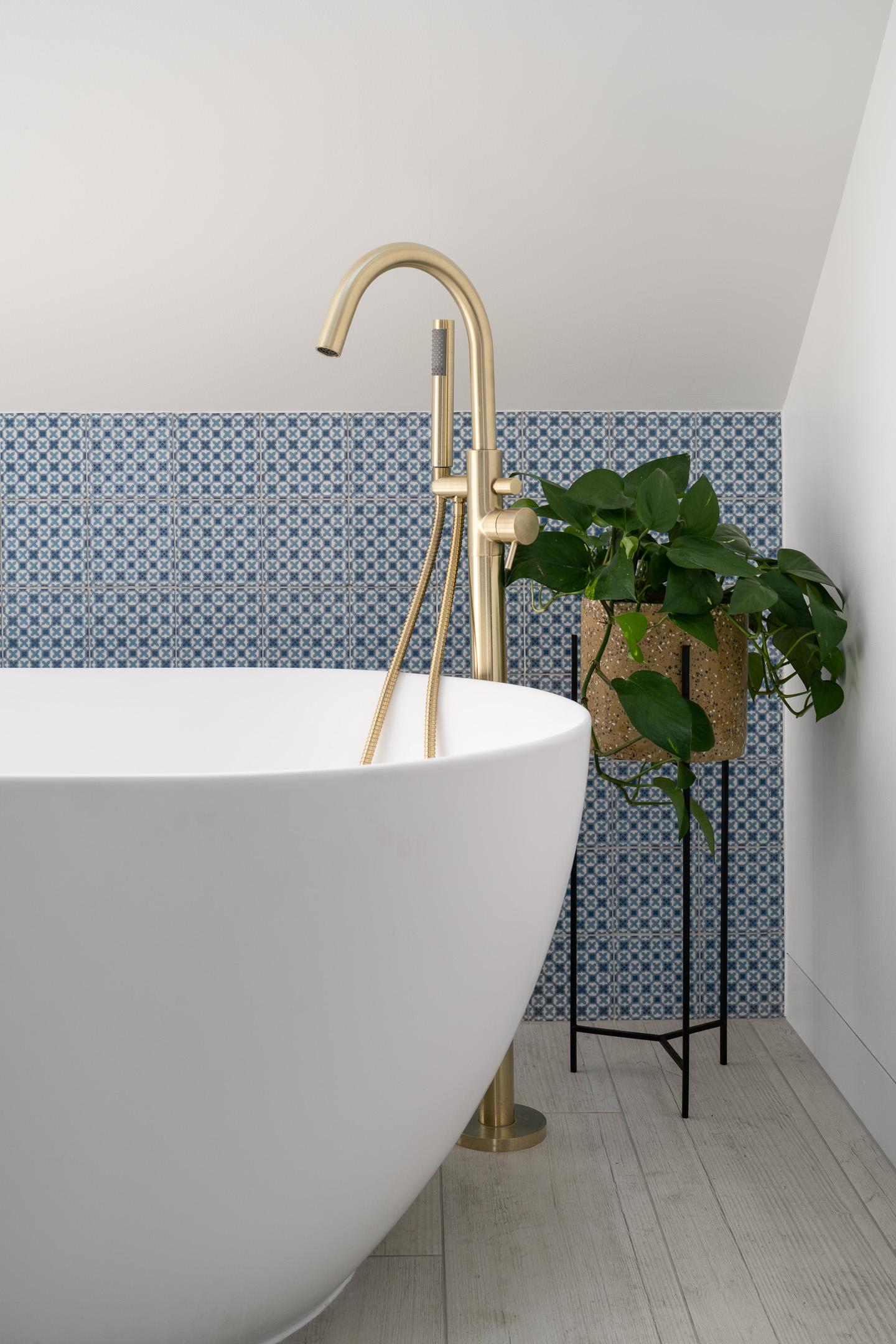 Web - Life Design - Ally Pally -Bathroom mid to bath and tap 1_.jpg