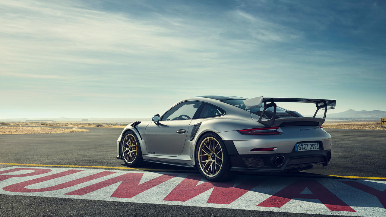 Porsche 911 GT2 RS 7.jpg