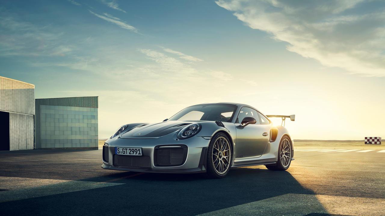 Porsche 911 GT2 RS 5.jpg