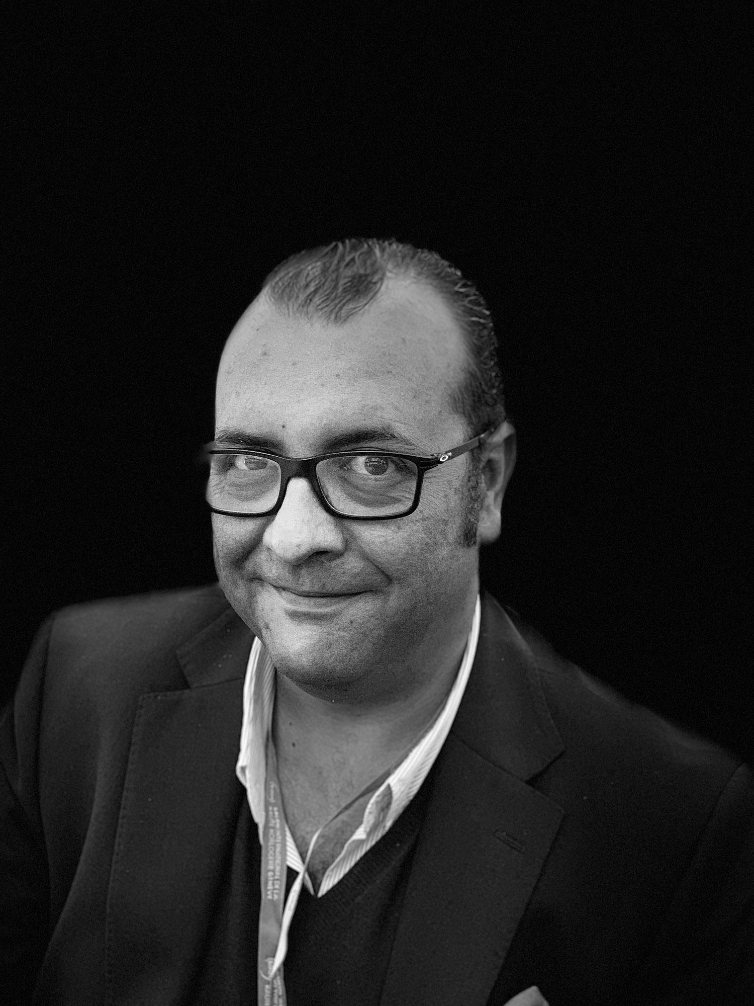 Ramón Biosca   Alma mater, Director y presentador del programa de radioVuelta Rápida GT  De los que más sabe en el sector del automóvil. Domina la Comunicación, RRPP, RRSS y organización de eventos.                                 Pocos están a su altura en el sector del lujo y estilo de vida…