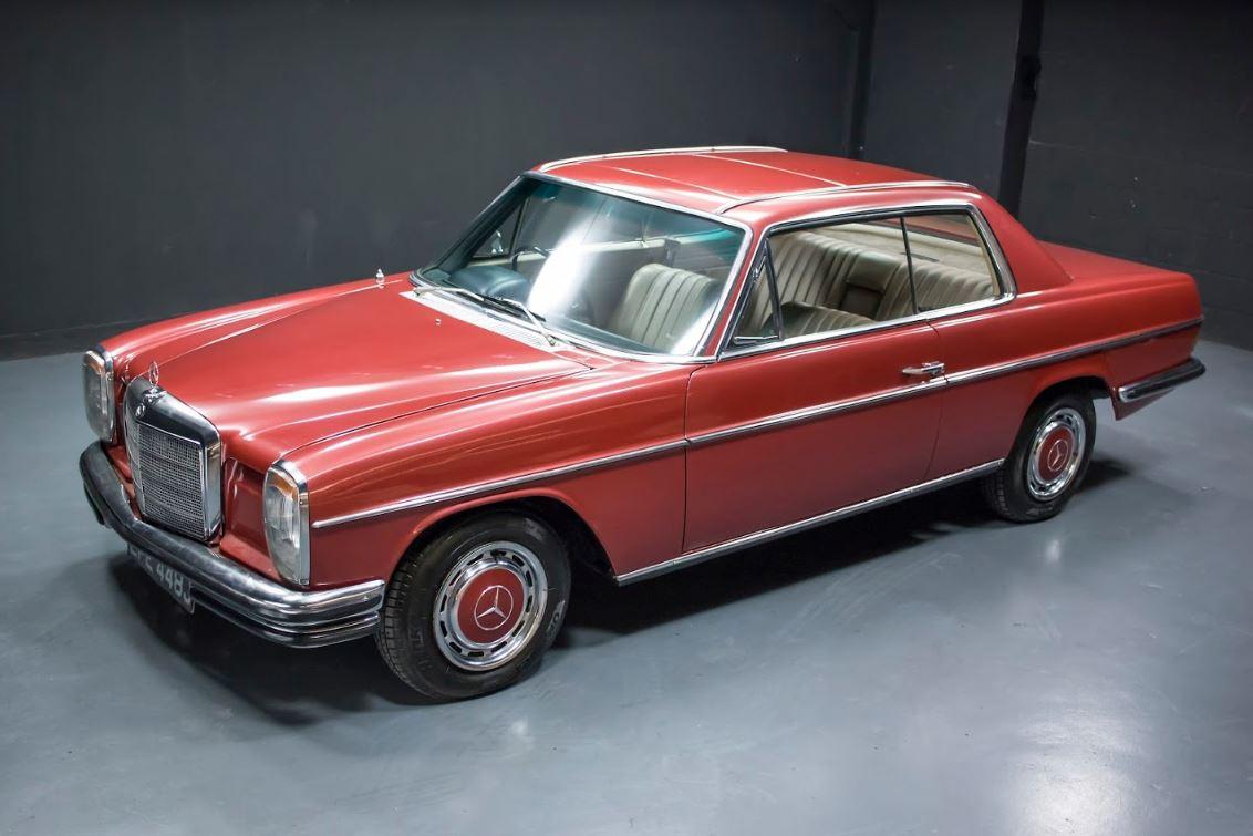 El Mercedes Benz 250 CE del ex Beatle
