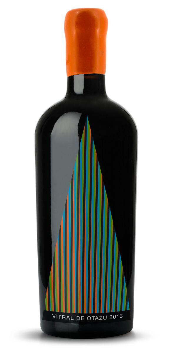 Botella Vitral de Otazu 1.png