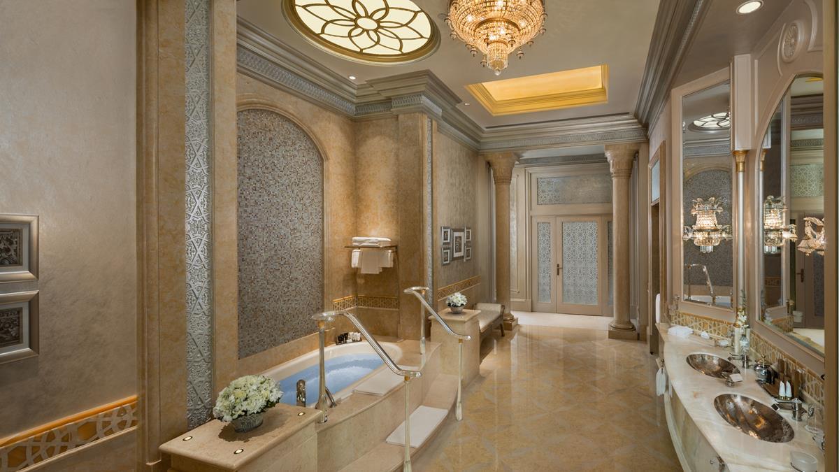 palace-suite-bathroom.jpg