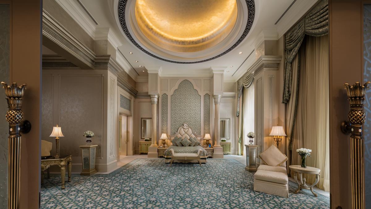 palace-suite-bedroom.jpg