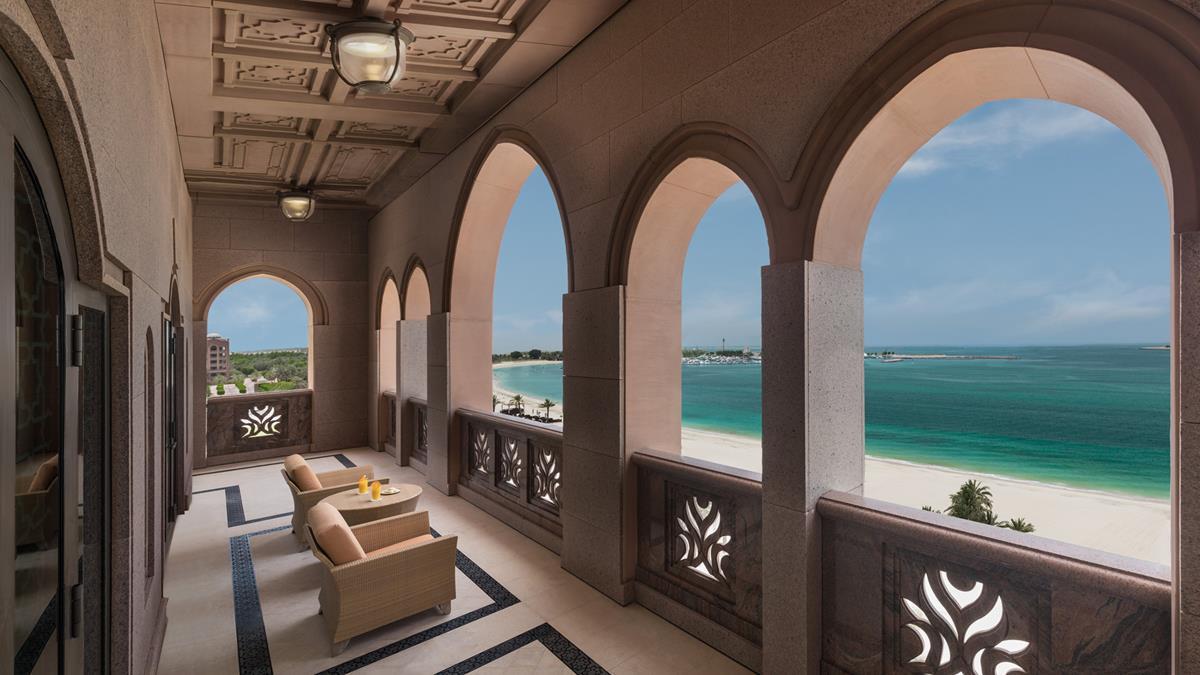 royal-khleej-suite-balcony.jpg