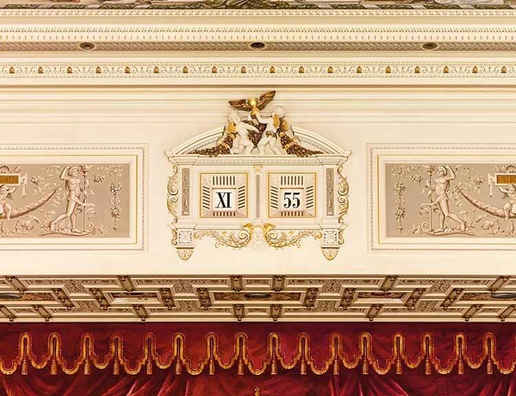 Reloj de la Semper Opera House de Dresde en el que se inspira la doble ventanilla de la fecha del Lange 1