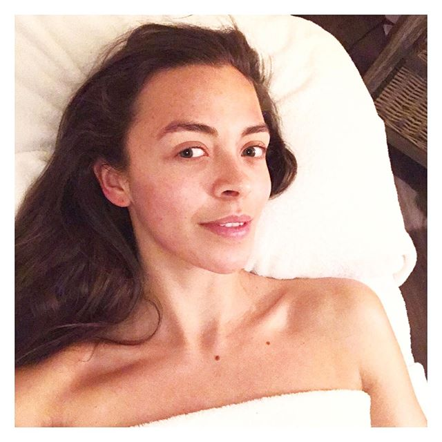 Post facial fresh ✨👌🏻 All of our Flexi Tools are designed to mimic results seen from the technically advanced facials at our London Salon. Clients are obsessed with the results they see from our Microneedling, Facial Massage, Lymphatic Drainage and Microdermabrasion...and wanted a way to continue these results from home! Read more about The Flexi Story on our website! • • • • • •  #skincarejunkie #skincare #howyouglow #skincareroutine #skinessentials #beautycare #beautycommunity #wellnessblog #iamwellandgood #beautytip #cleanskincare #organicskincare #skintools #beautybloggers #beautybloggersuk #rosequartz #microneedler #wellbeingworrior #selfcare #jaderoller #facial #facialist #antiageing #microneedling #dermapen #rosequartzroller #skinroller #microneedle