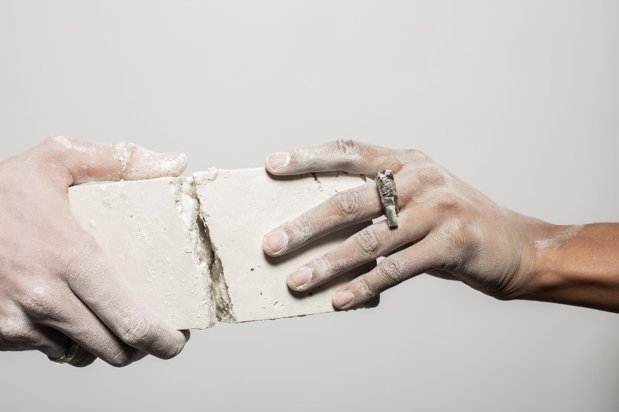 photo collection bague interrompue atelier armoure, marque bijoux de créateur lilloise.jpg