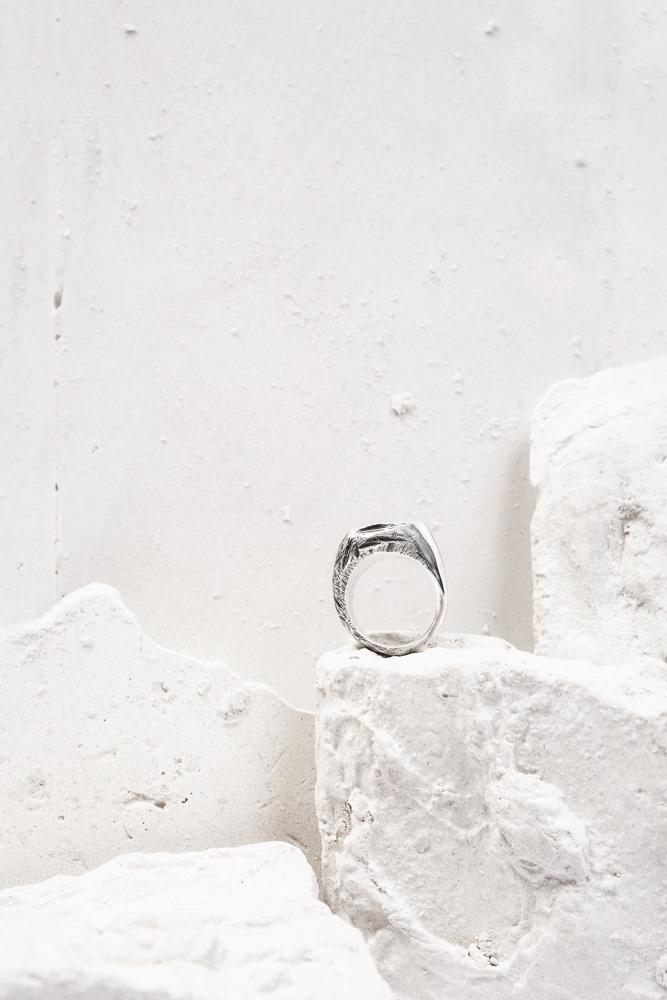 photo packshot bague interrompue atelier armoure, marque bijoux de créateur lilloise.jpg